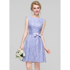 A-Line/Princess Scoop Neck Knee-Length Lace Bridesmaid Dress With Bow(s) (007090195)