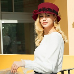 Damer' Gorgeous/Klassisk stil/Elegant Ull med Tyll Kastare / Cloche Hat/Kentucky Derby Hattar/Tea Party Hattar