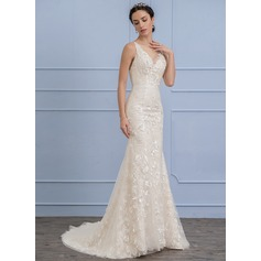Trumpet/Mermaid Scoop Neck Court Train Lace Wedding Dress With Beading Flower(s) Sequins (002106068)