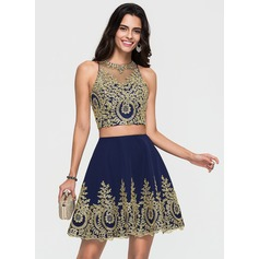 A-Line/Princess Scoop Neck Short/Mini Stretch Crepe Homecoming Dress With Lace
