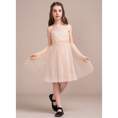 A-Line/Princess Square Neckline Knee-Length Tulle Lace Junior Bridesmaid Dress With Ruffle Bow(s)