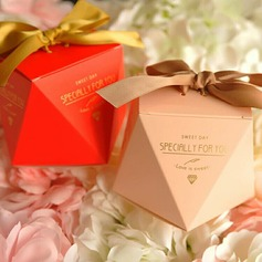 Elegant/Diamond Design diamond shape Card Paper Favor Boxes With Ribbons