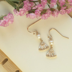 Damen Exotisch Vergoldet/Messing- mit Runde Perle/Kristall Ohrringe Freunde/Brautjungfern (011224003)
