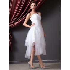 Forme Princesse Sans bretelle Traîne asymétrique Tulle Robe de mariée avec Plissé Dentelle