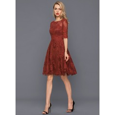 A-Line/Princess Scoop Neck Knee-Length Tulle Lace Cocktail Dress (016140372)