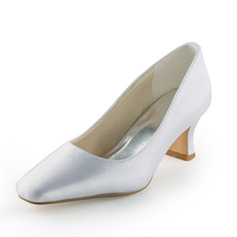 Women's Satin Spool Heel Closed Toe Pumps (047005395)