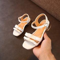 Mädchens Peep Toe Leder Flache Ferse Sandalen Flache Schuhe Blumenmädchen Schuhe mit Bowknot