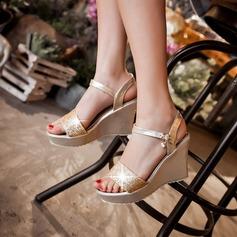 Kvinnor Konstläder Kilklack Sandaler Pumps Plattform Kilar Peep Toe Slingbacks med Spänne skor