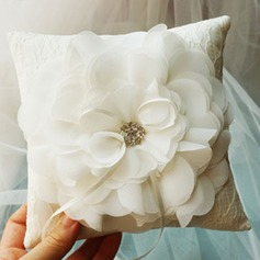 Ring Pillow in Silk (103143820)