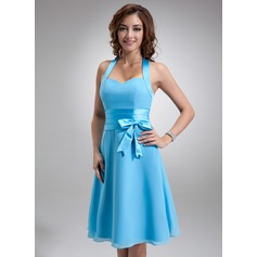 A-Line/Princess Halter Knee-Length Chiffon Bridesmaid Dress With Ruffle Bow(s) (007000937)