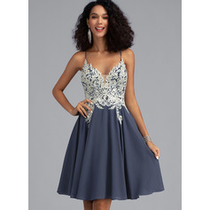 A-Line V-neck Short/Mini Chiffon Homecoming Dress With Lace Beading Sequins (022203153)