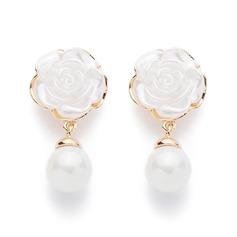 Flower Shaped Alloy/Pearl Ladies' Earrings