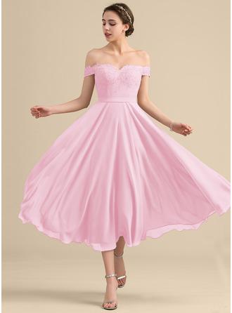 A-linjainen/Prinsessa Off--Shoulder Polven alle Sifonki Pitsi Morsiusneitojen mekko jossa Helmikoristelu Paljetit