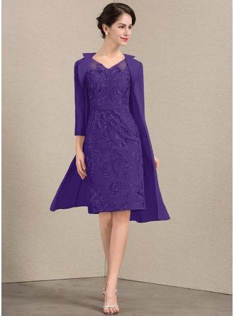 Etui-Linie V-Ausschnitt Knielang Spitze Kleid für die Brautmutter