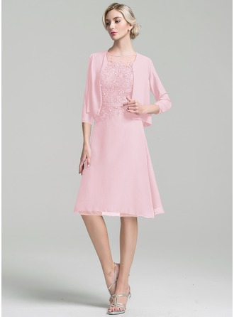 A-Linie U-Ausschnitt Knielang Chiffon Kleid für die Brautmutter mit Perlstickerei Pailletten
