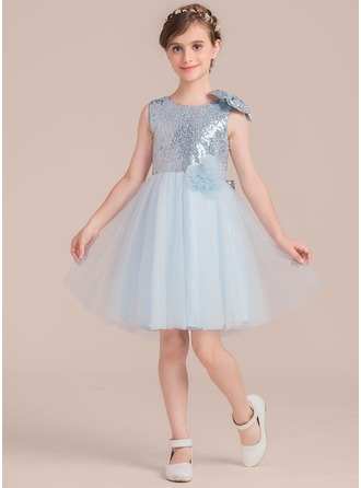 A-Line/Princess Scoop Neck Knee-Length Tulle Junior Bridesmaid Dress With Flower(s) Bow(s)