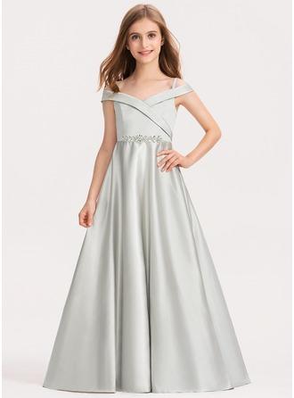 Ballkjole/Prinsesse Off-the-Shoulder Gulvlengde Satin Brudepikekjole til tenåringer