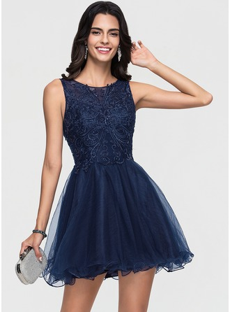 A-Line/Princess Scoop Neck Short/Mini Tulle Homecoming Dress With Lace Sequins