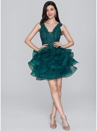A-Line/Princess V-neck Short/Mini Organza Homecoming Dress With Sequins