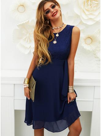 Lace Solid Round Neck Sleeveless Midi Dresses