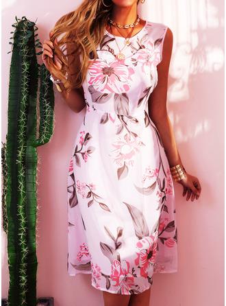Fleurie Imprimé Robe trapèze Sans Manches Midi Fête Style Vintage Élégante Patineur Robes tendance