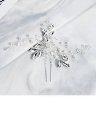 Hyvät Kristalli/Tekojalokivi Kammataan ja baretti (Myyty yhtenä palana)