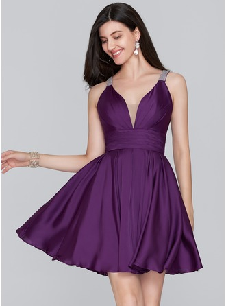 A-Line V-neck Short/Mini Satin Chiffon Homecoming Dress With Ruffle Beading
