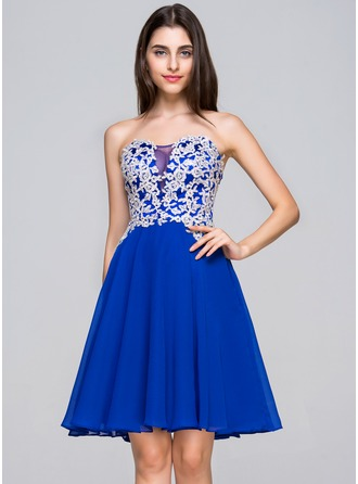 A-Line/Princess Sweetheart Knee-Length Chiffon Homecoming Dress With Appliques Lace