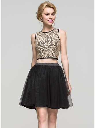 A-Line/Princess Scoop Neck Short/Mini Charmeuse Tulle Homecoming Dress