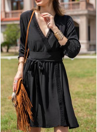 Spets Solid A-linjeklänning 3/4 ärmar Mini Den lilla svarta Fritids Semester skater Modeklänningar
