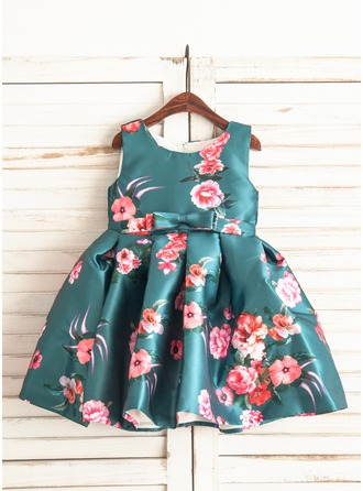 A-Line/Princess Knee-length Flower Girl Dress - Satin Sleeveless Scoop Neck With Bow(s)