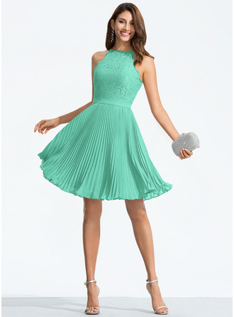 A-Line Scoop Neck Knee-Length Chiffon Homecoming Dress With Pleated