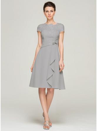 A-Linie U-Ausschnitt Knielang Chiffon Spitze Kleid für die Brautmutter mit Perlstickerei Blumen Pailletten Gestufte Rüschen