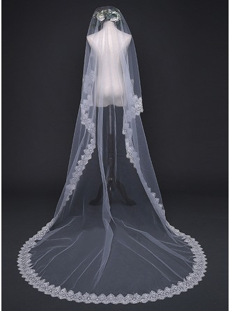 One-tier Lace Applique Edge Chapel Bridal Veils With Applique