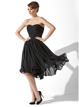 A-Line/Princess Sweetheart Knee-Length Chiffon Little Black Dress With Ruffle