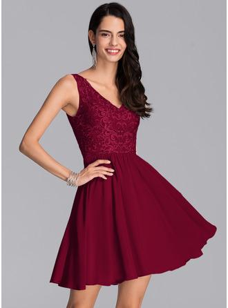 Corte A Decote V Curto/Mini Tecido de seda Vestido de boas vindas com lantejoulas