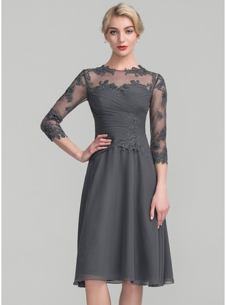 A-Line/Princess Scoop Neck Knee-Length Chiffon Lace Mother of the Bride Dress With Ruffle