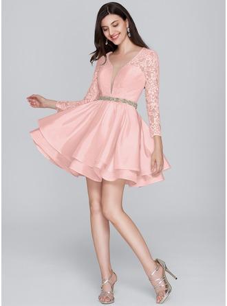 A-Line V-neck Short/Mini Taffeta Homecoming Dress With Beading