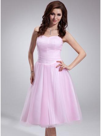 A-Line/Princess Sweetheart Tea-Length Tulle Homecoming Dress With Ruffle