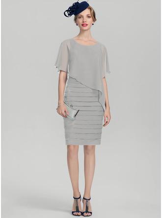 Etui-Linie U-Ausschnitt Knielang Chiffon Kleid für die Brautmutter mit Rüschen