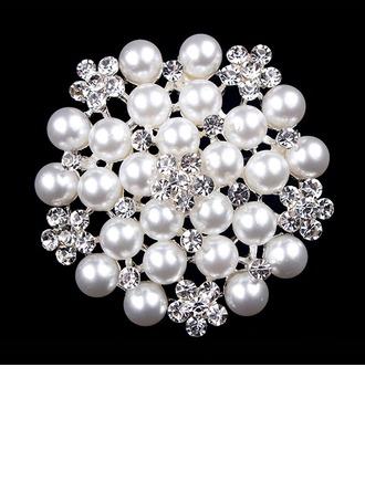 Sparking Alloy/Rhinestones/Imitation Pearls With Rhinestone Ladies' Brooch