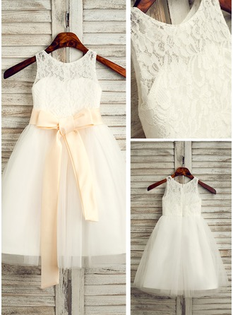 A-Line/Princess Scoop Neck Tea-Length Tulle Junior Bridesmaid Dress With Sash Bow(s)
