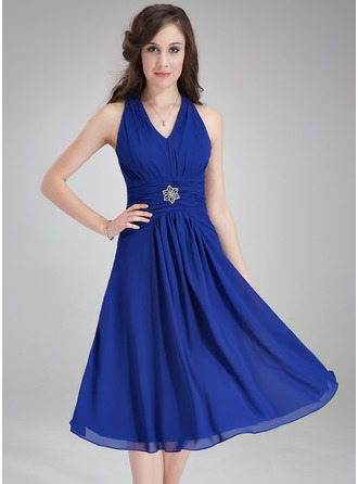 A-linjainen/Prinsessa V-kaula-aukko Polvipituinen Sifonki Morsiusneitojen mekko jossa Rypytys Kristallirintakoru