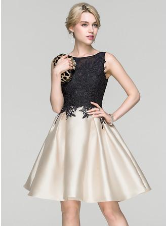 A-Line/Princess Scoop Neck Knee-Length Cocktail Dress