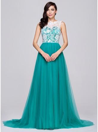 A-Line/Princess Scoop Neck Court Train Tulle Lace Prom Dress