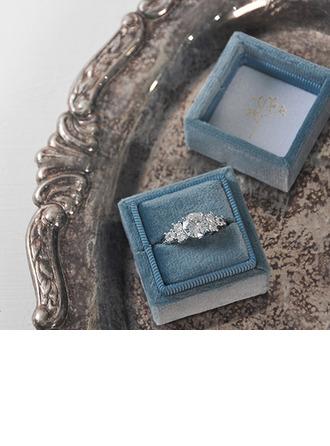 Bride Gaver - Personaliseret Delikat Yndefuld Stempling Inde fløjl Ringholder