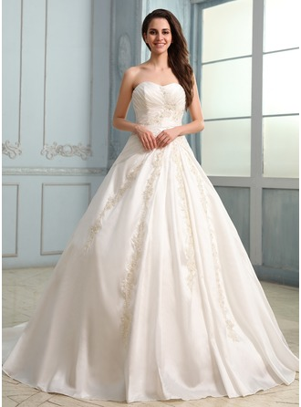 Ball-Gown Sweetheart Chapel Train Taffeta Wedding Dress With Ruffle Beading Appliques Lace