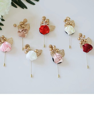 Classic Cloth Boutonniere (Sold in a single piece) -