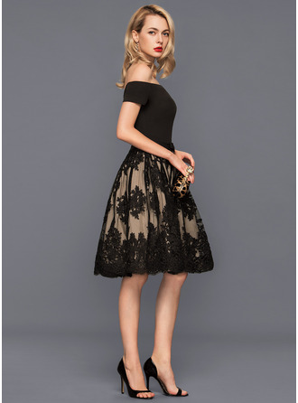 A-Line/Princess Off-the-Shoulder Knee-Length Tulle Lace Cocktail Dress With Bow(s)