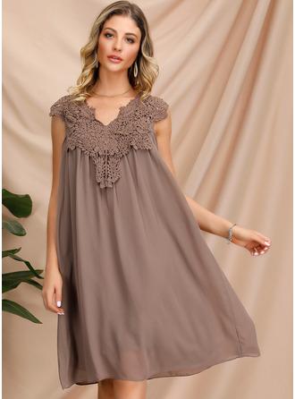 Koronka Sukienka Trapezowa Rękawy z kapturkami Mini Nieformalny Modne Suknie